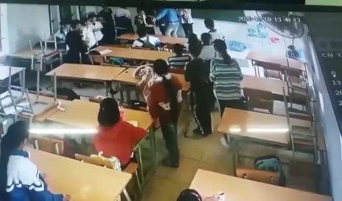 Clip phụ huynh vào lớp đấm túi bụi dã man học sinh lớp 6 ở Điện Biên