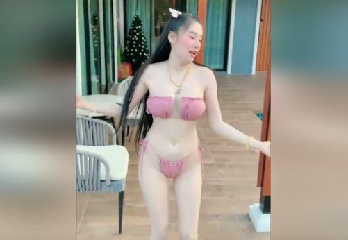 Clip Hot Girl Bikini Cute Siêu Dễ Thương