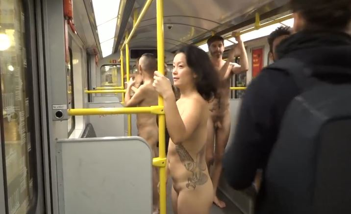 Bold performance by Misha Badasyan in the metro - Naked subway ride