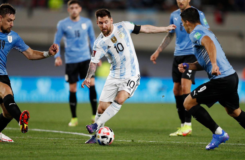 Argentina 3-0 Uruguay (WC Qualif.) 2021.10.11 (00h30) Full Goals Highlight