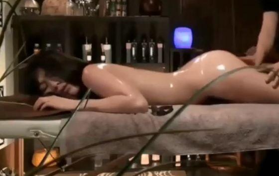 Clip gái xinh hot girl Nhật Bản mát xa sexy nóng bỏng