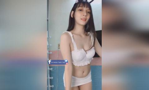 Gái xinh Việt show hàng khỏe vú to lộ bướm