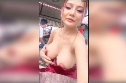 Xem Clip Hot Girl Moon Livestream lộ vếu khủng và núm hồng rực